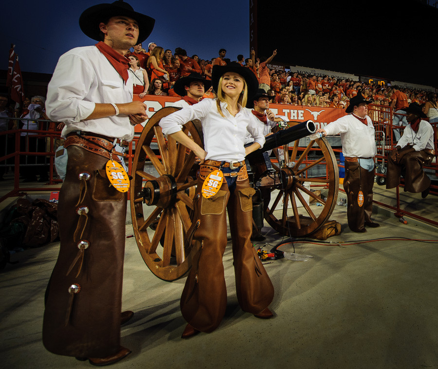 Texas Cowboys And Smokey The Cannon Dave Wilson Photography